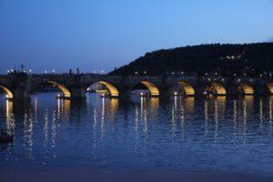 Praha kauneimmilaan illalla.